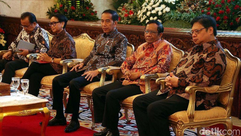 Jokowi Buka Rapat Kerja Kepala Perwakilan RI dengan Kemlu di Istana