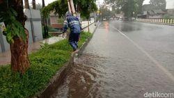 Pemkab Ciamis Bentuk Tim Khusus Pantau Genangan Air di Jalan Kota