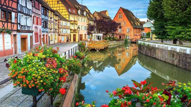 Desa kecil ini bagaikan negeri dongeng. (Foto: iStock)