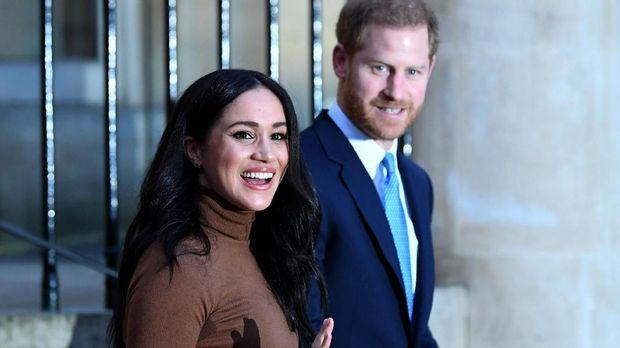 Senin, Ratu Inggris Gelar Pertemuan 'Darurat' dengan Harry