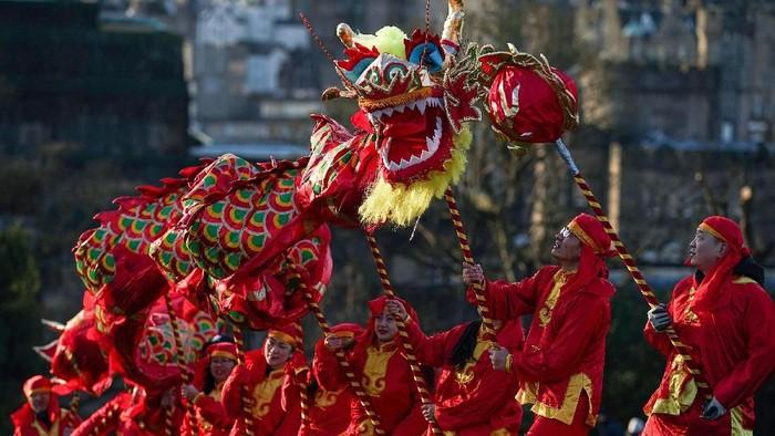 Tahun Baru Imlek 2571/2020 jatuh pada tanggal 25 Januari. Sejumlah persiapan pun dilakukan oleh komunitas Tionghoa di Skotlandia untuk merayakan Imlek.