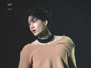 Deretan Gaya Seksi Kai EXO Pakai Crop Top, Bikin Fans Histeris