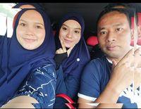 Hanna (kiri), Yaya (tengah), suami Hanna (kanan)