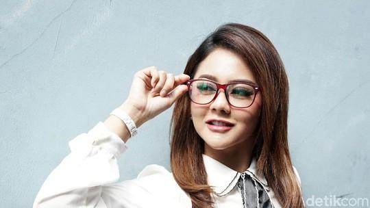 Pernikahannya Dijalani dengan Bahagia, Jenita Janet Tetap Ingin Cerai
