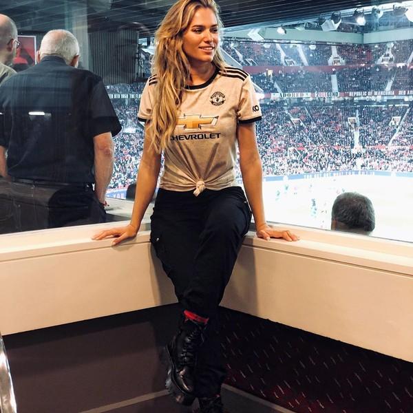Rumor pertama kedekatan Ryan Giggs dengan Helen sudah terdengar sejak September 2019, saat Rio Ferdinand menggelar pesta pernikahan (Instagram/helenstellingholt)