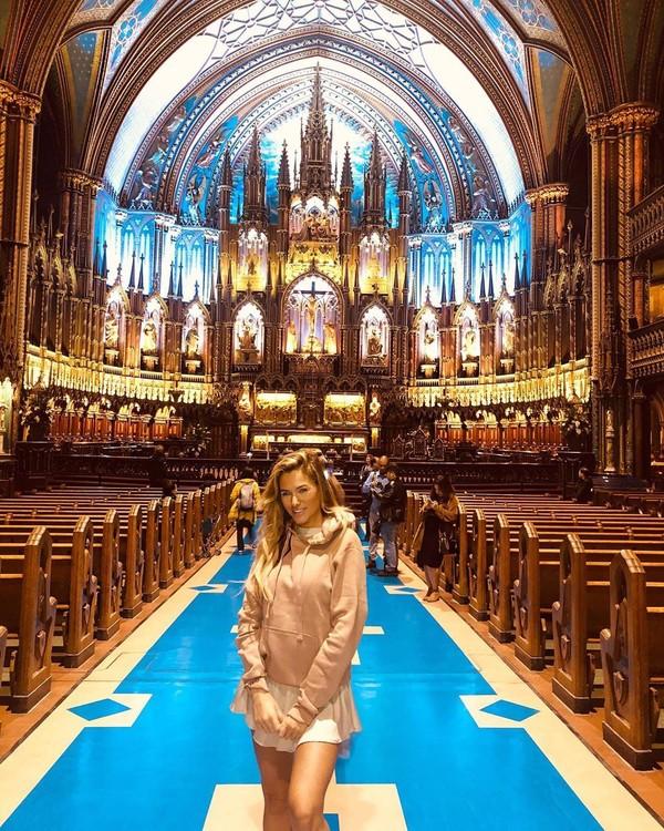 Baru-baru ini, Helen liburan ke Kanada dan mengunjungi beberapa kota di sana (Instagram/helenstellingholt)