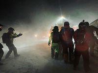 Horor di Islandia: Turis Terjebak Badai Salju 9 Jam