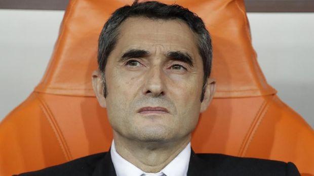 Ernesto Valverde dipecat Barcelona. (