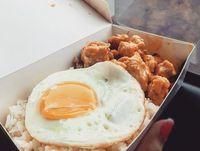 Jajan Hidangan Berlumur Saus Salted Egg yang Masih Booming di 2020