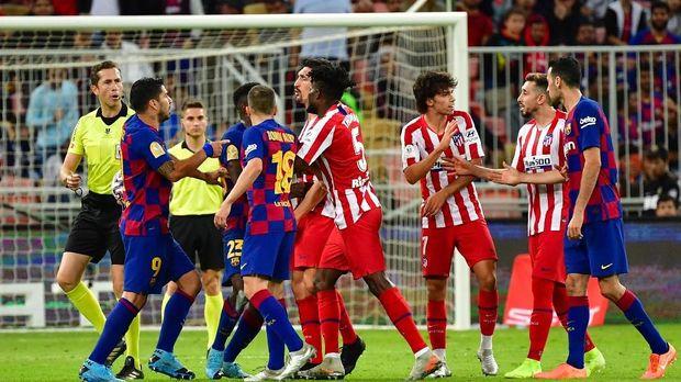 Atletico Madrid lolos ke final dengan mengalahkan Barcelona.