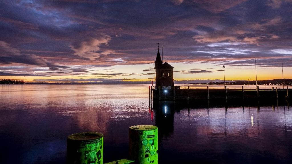 Pesona Indahnya Matahari Terbit di Danau Constance Jerman