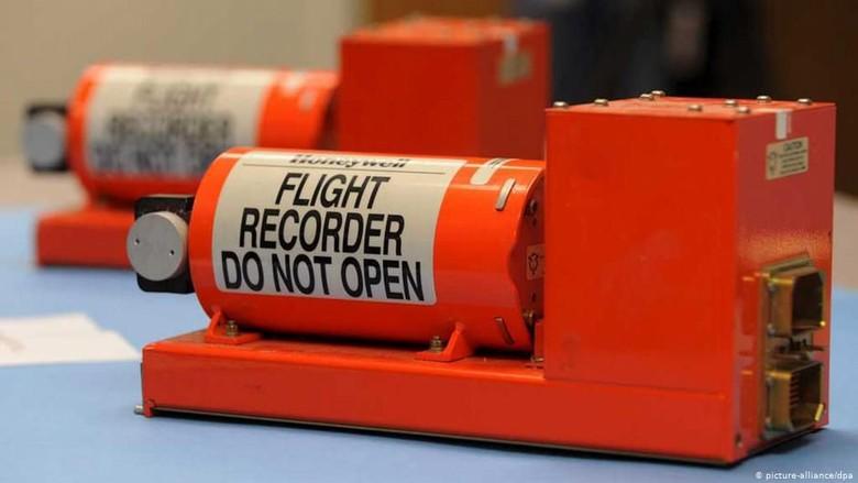 6 Fakta Penting Tentang Black Box Pesawat Terbang Yang Perlu Anda Ketahui