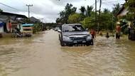Banjir di Samarinda, Polisi Kerahkan Truk Pasukan untuk Angkut Warga