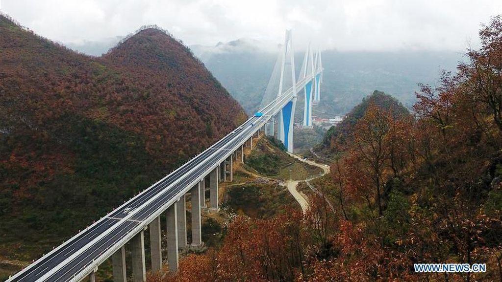 Menengok Megahnya Jembatan Tertinggi di Dunia