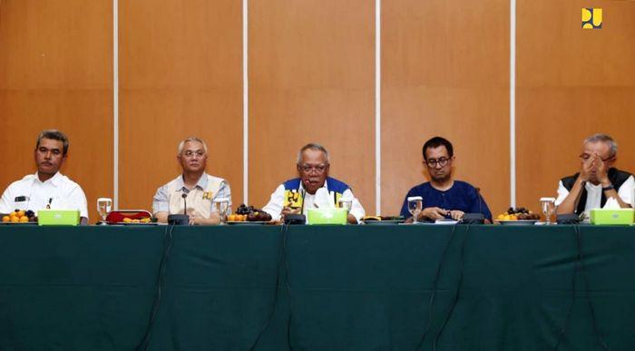 Menteri PUPR Basuki Hadimuljono mengatakan, hasil survei lapangan harus segera ditindaklanjuti dengan penanganan jangka pendek dan jangka menengah. Istimewa/Kementerian PUPR.