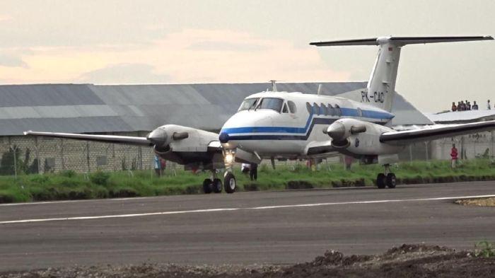 Pendaratan perdana di Bandara Blora/Foto: Arif Syaefudin/detikcom