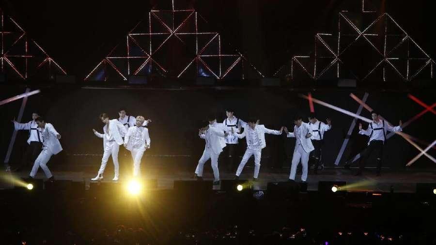 Konser Super Junior hingga Vanessa Angel Menikah