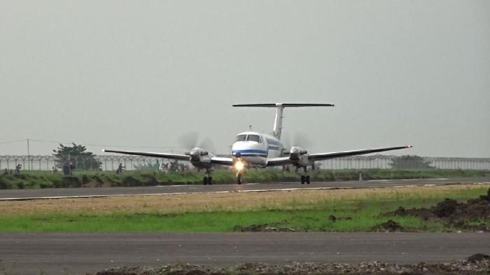 Pendaratan perdana di Bandara Blora
