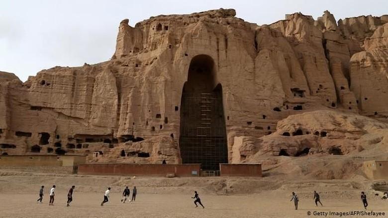 Situs Buddha Bamiyan di Afghanistan (Shefayee/AFP/Getty Images)