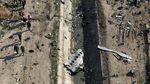 Melihat Lagi Puing Pesawat Ukraina yang Ditembak Rudal Iran