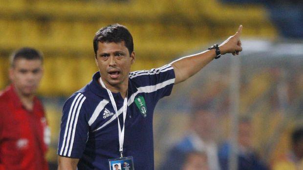 Sergio Farias, Pelatih Persija Mantan Rival Shin Tae Yong