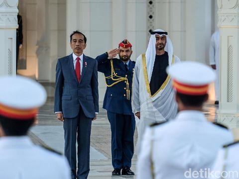 Presiden Joko Widodo (Jokowi) bertemu dengan Putra Mahkota Uni Emirat Arab (UEA) Mohammed Bin Zayed (MBZ).