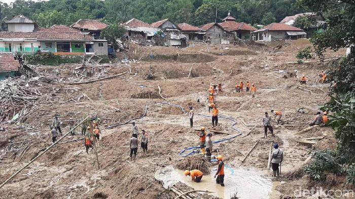 Longsor di Sukajaya Bogor. (Foto: Farhan/detikcom)