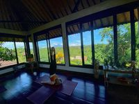 Keseruan Jimin AOA yoga di Ubud