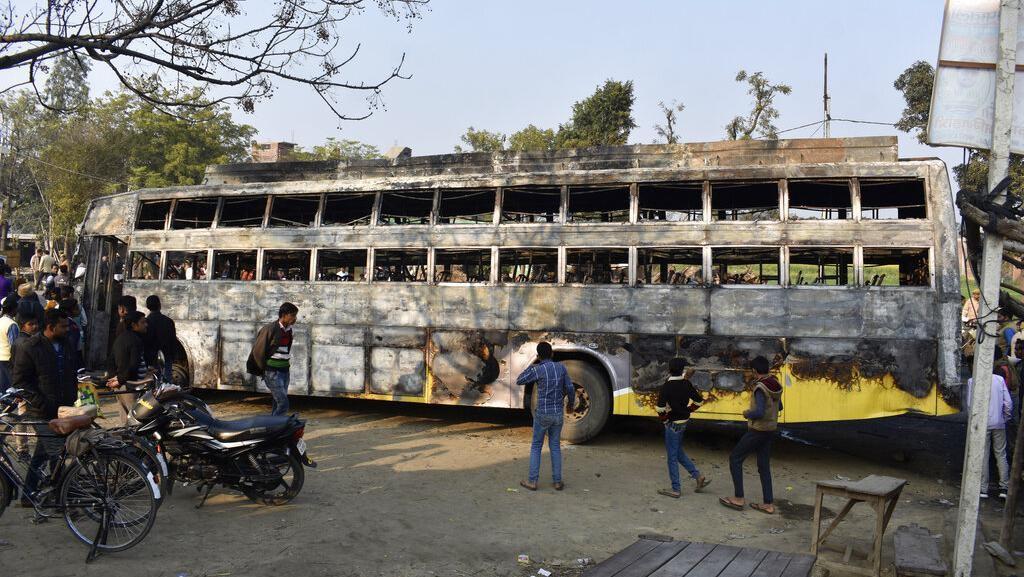 Video Bus di India Terbakar dan Mewaskan 20 Orang