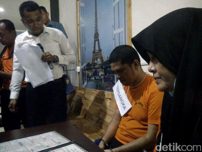 Rekonstruksi pembunuhan hakim Jamaluddin. (Datuk Haris Molana/detikcom)