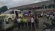 Videonya Viral, Sopir Angkot Pembuang Kulit Durian ke Sungai Musi Ditangkap