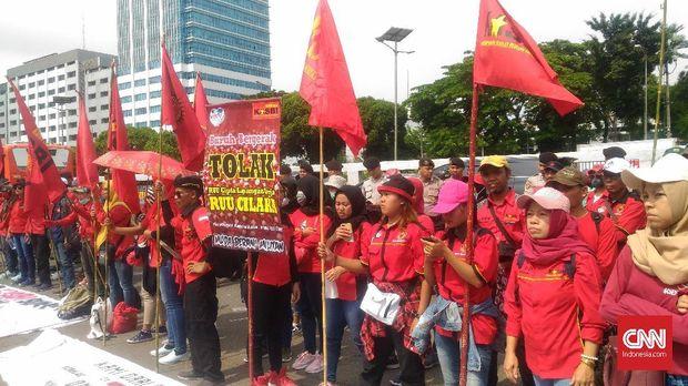 Demo Buruh Bubar, Jalan Gatot Subroto Kembali Dibuka