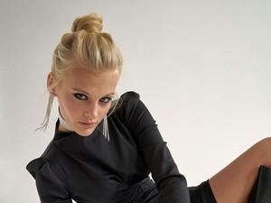 Model Cantik Terjatuh dari Jendela Apartemen, Keadaannya Mengenaskan