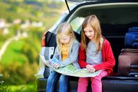 Tips untuk Kakek-Nenek Traveling Bareng Cucu