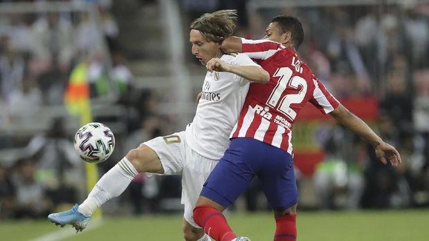 Kedua tim kesulitan membongkar pertahanan lawan di babak pertama.