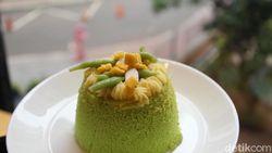 Ayam Geprek dan Cake Cendol ala Escalator Coffeehouse