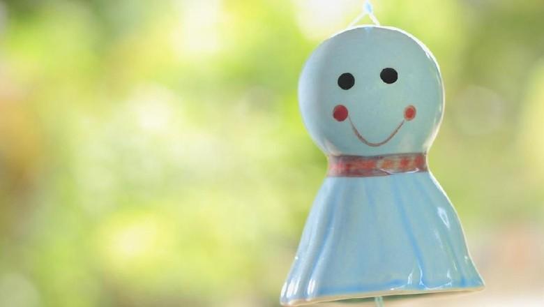 Boneka Teru Teru Bozu dipercaya masyarakat Jepang bisa menangkal hujan. (Foto: iStock)