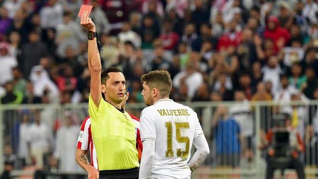 Federico Valverde langsung dikartu merah wasit Jose Martinez.