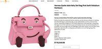 Seperti Kylie Jenner, Syahrini Pakai Tas Mungil yang Dijual Rp 1,6 Miliar