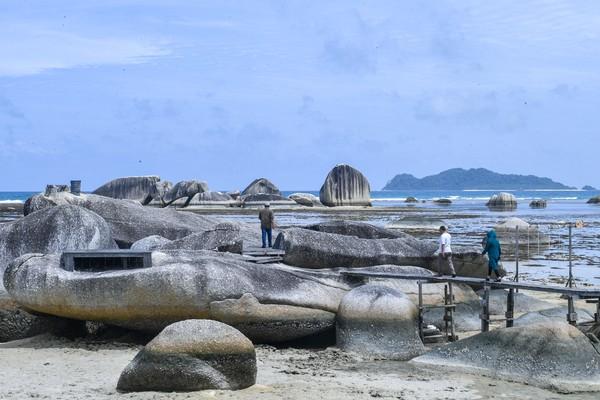 Alif Stone Park menjadi salah satu destinasi wisata dari sembilan destinasi Geopark (taman bumi) nasional di Natuna selain Senubing, Pantai Bamak, Tanjung Datuk, Batu Kasah, Pulau Akar, Pulau Setanai, Gunung Ranai, dan Pulau Senua.