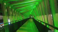 Indahnya JPO Sky Bridge Semarang yang Baru Diresmikan