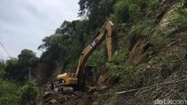 Akses 2 Desa di Polewali Mandar Tertutup Longsor, Ekskavator Dikerahkan