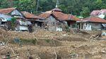 Pencarian Korban Tanah Longsor di Sukajaya Dihentikan