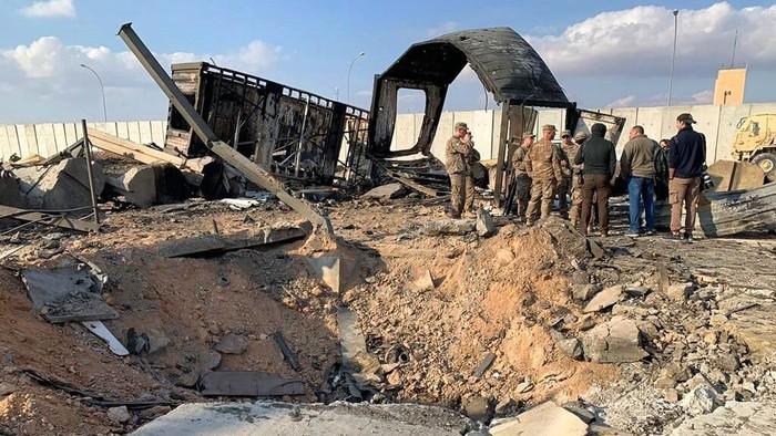 Pangkalan militer AS Ain al-Asad di Irak jadi sasaran rudal Garda Revolusi Iran. Aksi itu dilakukan sebagai balasan atas kematian Jenderal Qasem Soleimani.