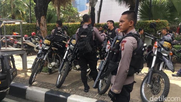 Pengamanan di Balai Kota DKI jelang demo dua kubu pro dan kontra terhadap Gubernur Jakarta Anies Baswedan (Arief Ikhsanudin/detikcom)
