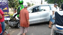 Kecelakaan Beruntun 4 Kendaraan di Sawangan, Seorang Pemotor Tewas