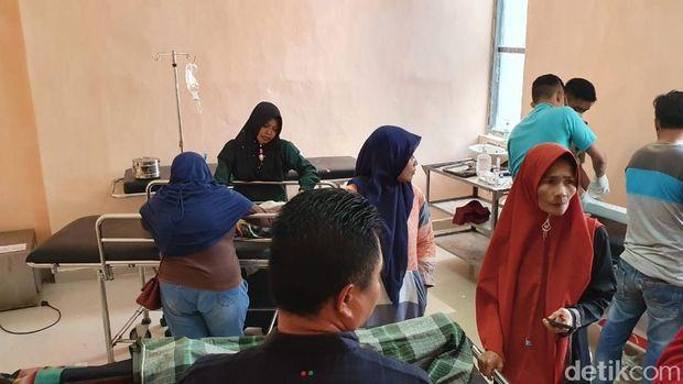 Dua siswa terluka dilarikan ke RSUD Polewali Mandar