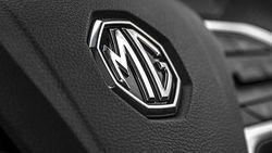 MG Pinjamkan 100 Unit Mobil untuk Tenaga Medis Hadapi Corona