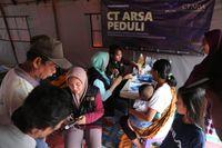 CT ARSA Foundation Buat Dapur Umum-Posko Medis Bantu Korban Longsor Sukajaya
