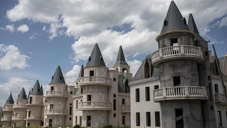 Burj Al Babas merupakan proyek perumahan yang terbengkalai akibat krisis ekonomi Turki. (Foto: Getty Images)